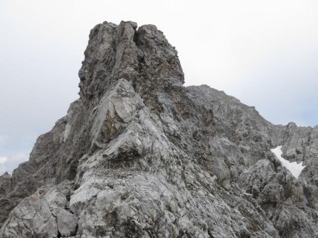 das hätte man abklettern können, wir entschieden aber die Umgehung durch Abstieg (ca. 30Hm)