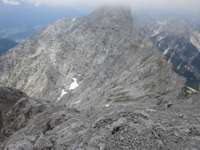 Der Abstieg zum Grat zum Kleinen Solstein