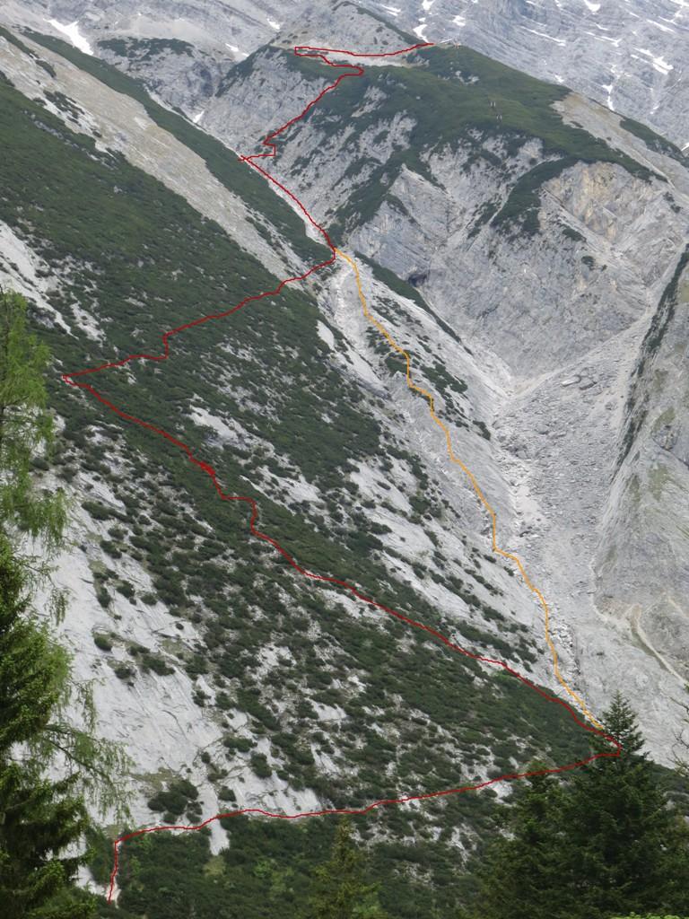 """die Übersicht komplett; die rote Route ist meine, die gelbe die Alternative durch das Bachtal, die """"Direttissima"""""""
