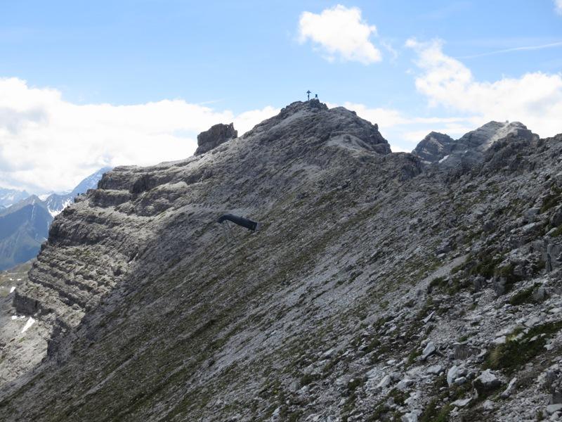 Gipfel der Großen Ochsenwand im Rückblick am Abstieg zur Alpenclubscharte