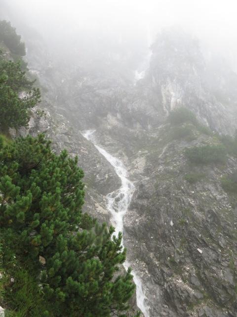 Sturzbach am Abstieg 10min vor der Katzenleiter