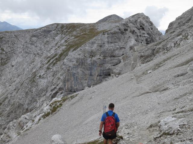 Tiefpunkt des Abstieges vom Kleinen Solstein in Richtung Großer Solstein