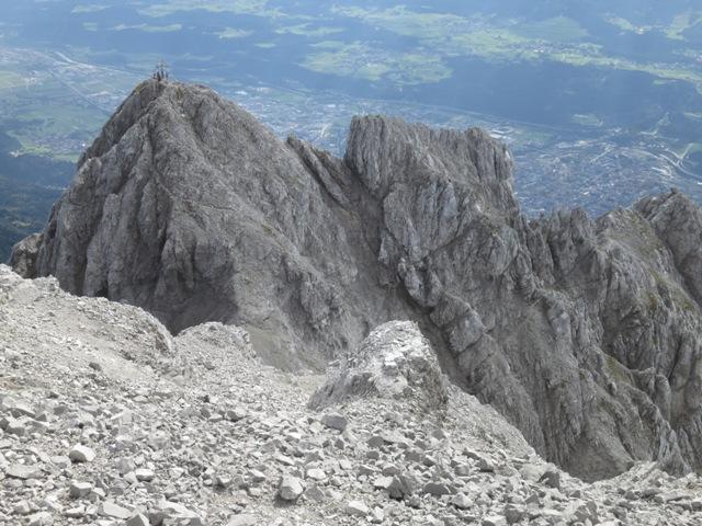 vom Gipfel der Hinteren Brandjochspitze auf die Vordere Brandjochspitze