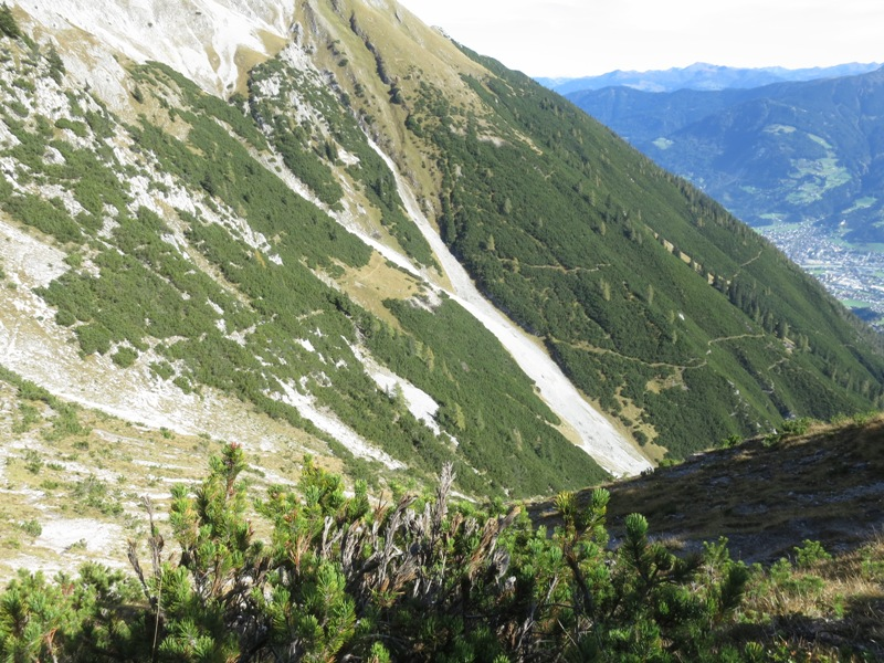 Abstiegsmöglichkeit nach Südosten zum Steig zur Waldhorb Alm oder tiefer ab der Jagdhütte