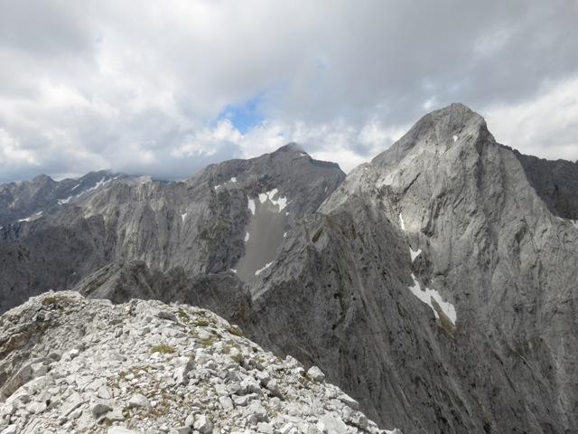Kaiserkopf und links hinten die Eiskarlspitze