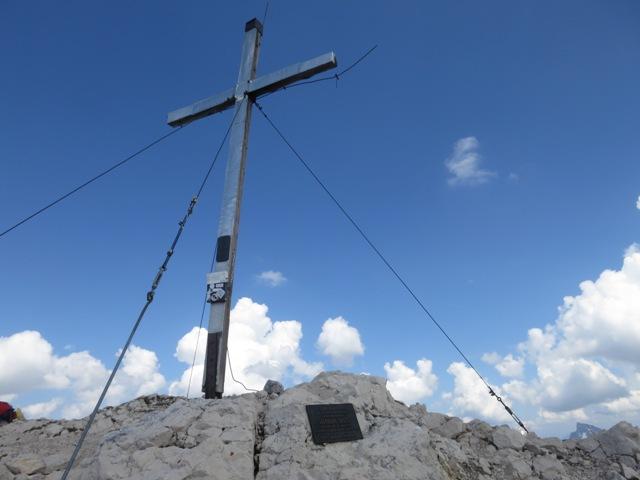 Gipfelkreuz Pleisenspitze, 2.569m