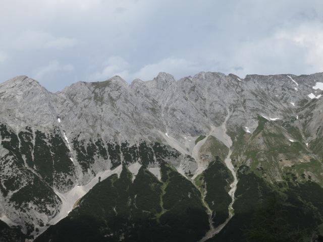 linkls Sunntiger, mittig links kleine Hallerangerspitze, mittig große Hallerangerspitze, rechts Gratverlauf zur Gamskarspitze