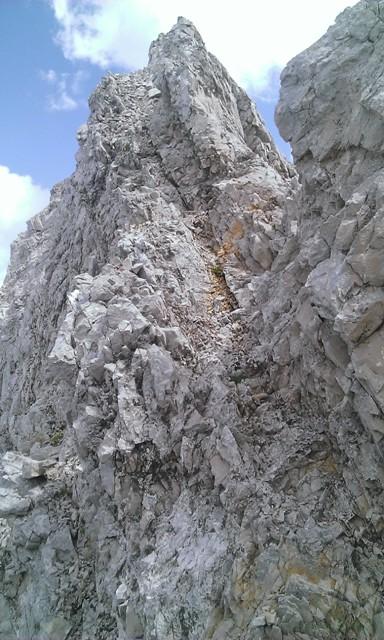 jenseits der Scharte schlechte Felsqualität