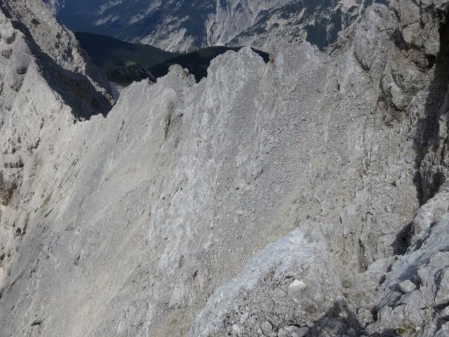 Rückblick auf den zweiten Teil des Grates von der Kaskarspitze knapp vor dem Gipfel der Sonntagskarspitze