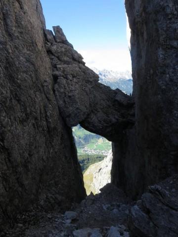 Blickfang und wer in natura genau schaut erkennt eine Seilsicherung vom alten Normalanstieg