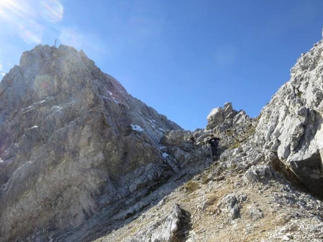 nach dem Abstieg vom Gipfelaufbau der Trattenspitze