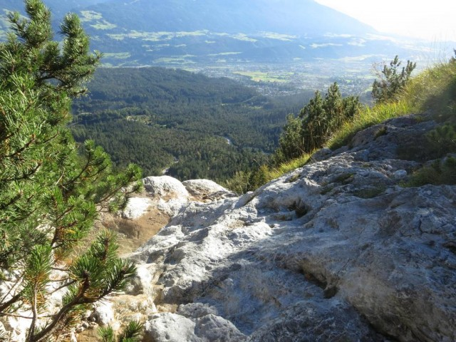 Steig von der alten Halltalerhütte hinab zum Besinnungsweg