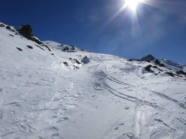 und der Aufstieg dreht wieder nach SO, also direkt zum Gipfel