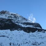 hier muß der Nordgrat zum Lisenserfernerkogel sein; ich tippe auf weiß links, durch die leichten Felsen und weiß rechts, dann südlich auf den Grat; im Sommer weiß ich's dann