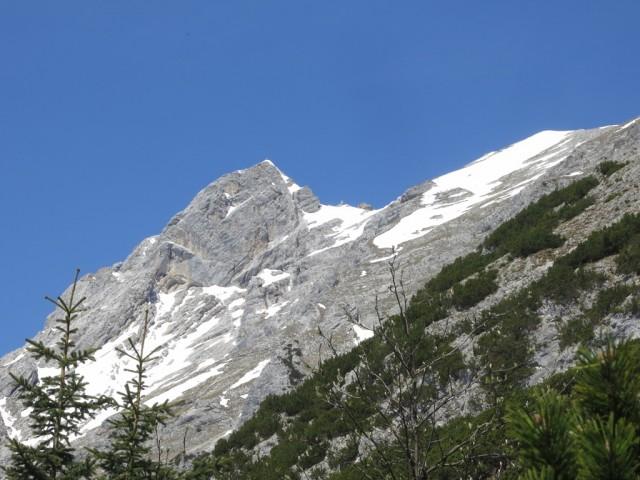 die Tratten (Grat rechts) und die Trattenspitze