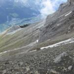 Querung und gleichzeitig Abstieg im schuttigen Gelände