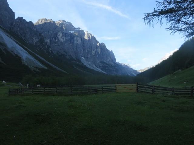 Das Massiv der Kirchdachspitze im Serleskamm