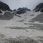 am Ende des Schneefeldes