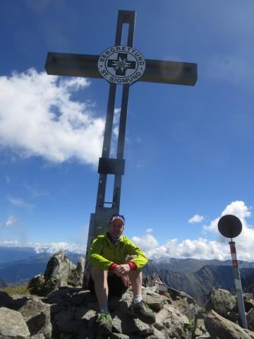 Simon am Gipfelkreuz des Gaißkogel, 2.820m