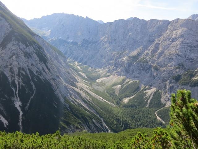das Rossloch aus ca. 1.800m Höhe