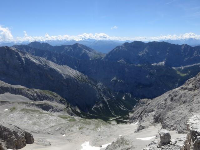 Blick auf Rossloch Repskamm und die Gipfel des östlichen Teiles der Gleirsch-Halltal-Kette
