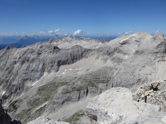 Blick auf die westlichen Gipfel des Karwendelhauptkammes