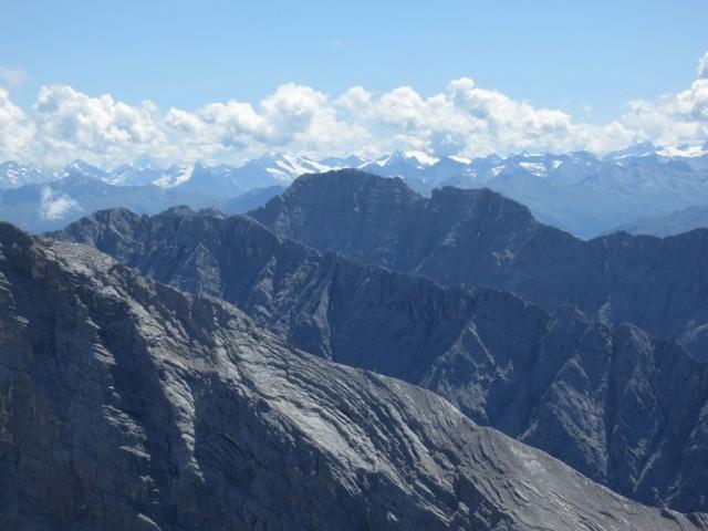 die Bettelwürfe, der große davon fünfthöchster Gipfel im Karwendel (zählt man die Ödkarspitzen als zwei Einzelgipfel)