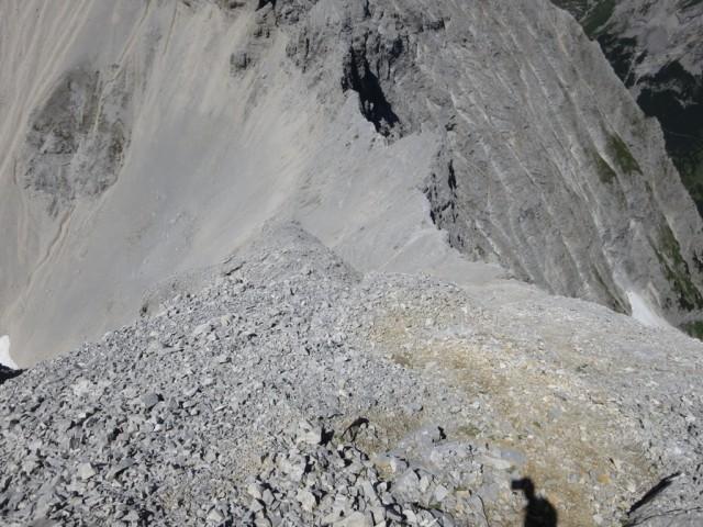 steile Abstieg mit viel Schutt und Störzonenmaterial