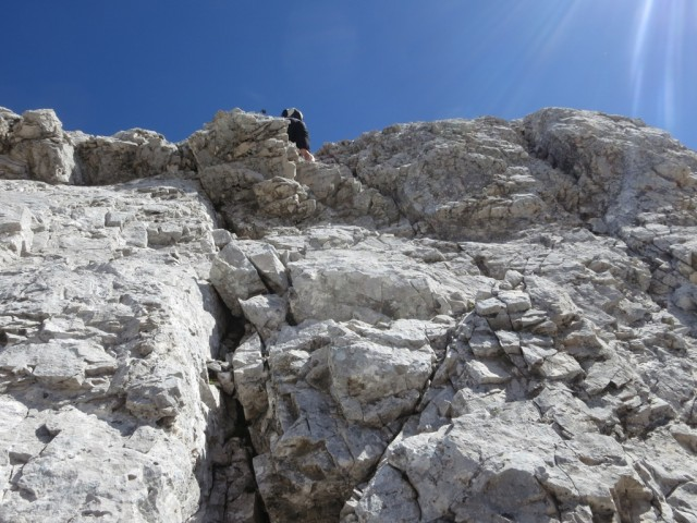 letzte steile Stufe in fester glatter Wand