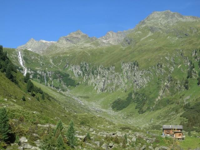 Ochsenalm mit Neuer Regensburgerhütte