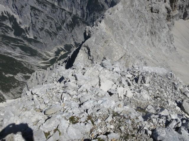 RÜckblick vom Mittelteil der schwierigen Wand; Aufstieg nicht sichtbar darunter
