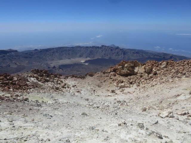 der Krater am Teidegipfel mittig