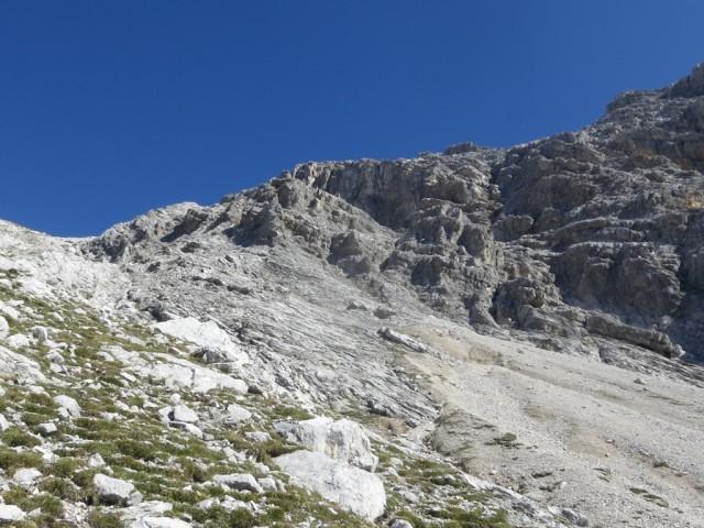 Aufstiegsgelände zur Südwestflanke ca. 100Hm oberhalb der zweiten Rinne