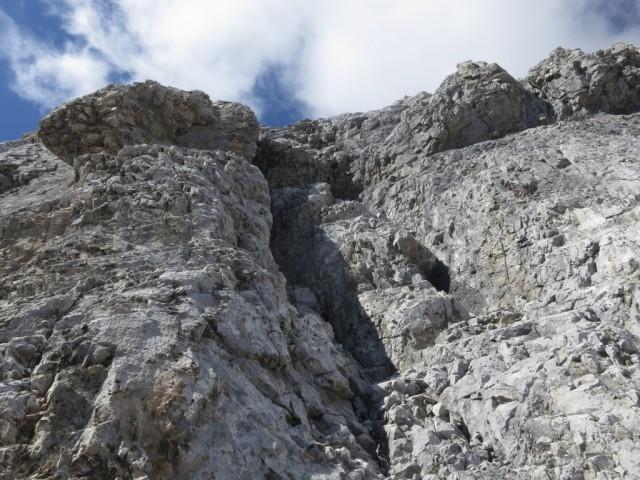 Rinne ostseitig im unteren Teil des Südgrates, Rückblick von unten