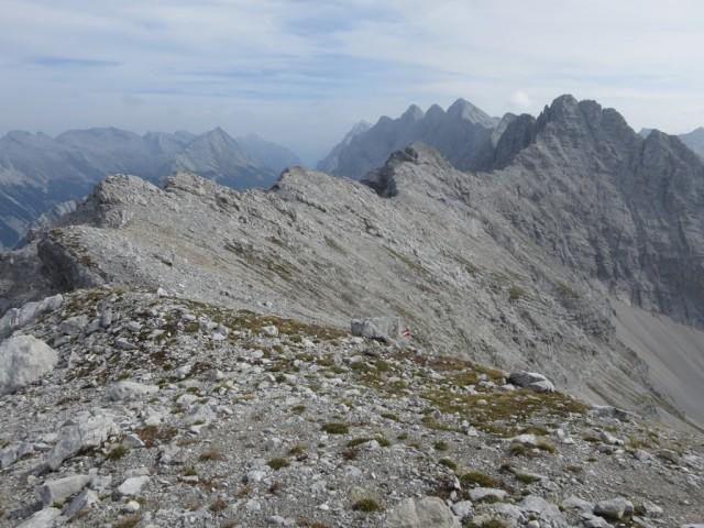 Gratverlauf Östliche Praxmarerkarspitze zur Kaskarspitze an der Abzweigung vom Normalweg