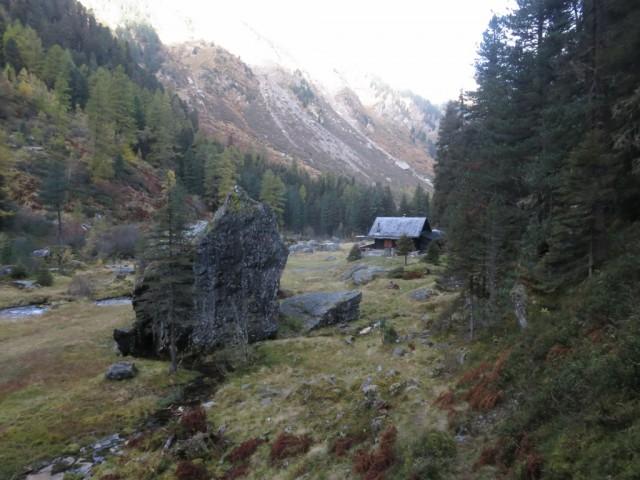 Jagdhütte im Rückblick