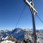 Rückblick von der Kreuzspitze auf den Gipfel des Rosenjochs