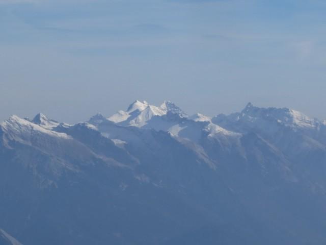 die Granden des Karwendel im Winterkleid (Ödkarspitzen, Birkkarspitze und rechts Kaltwasserkarspitze)