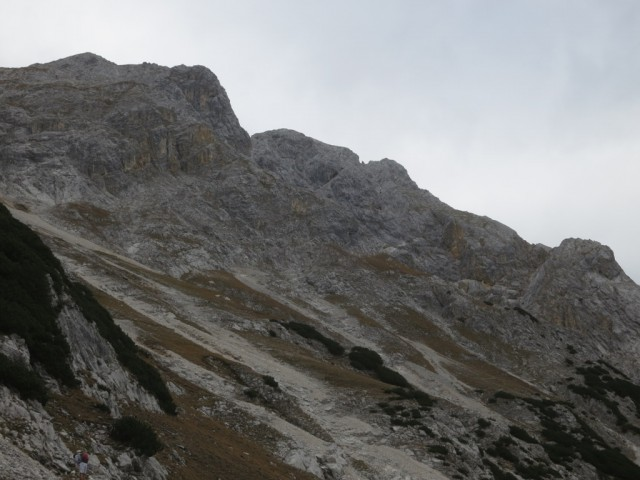 Überblick über den SO-Grat, Vorsicht, die Reise des  Vorderen Kälberkares ist verdeckt vom Rücken davor