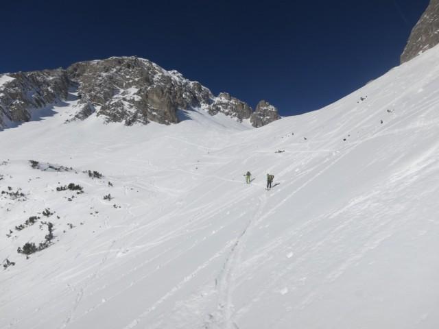 Aufstieg oberhalb des Felsgeländes