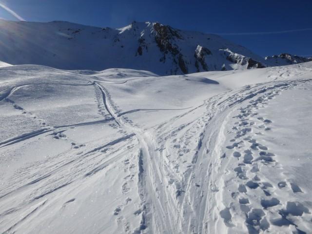 Verzweigung der Aufstiegsspur unterhalb des Steixnerkammes