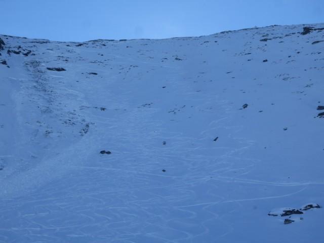 Rückblick auf den Steilhang; äußerst rechts am besten zu fahren